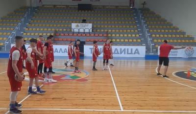 Давидов събра за едномесечен лагер 13 юноши от столичните клубове
