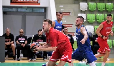 Везенков вкара 13 на Рилски спортист в контрола в Ботевград
