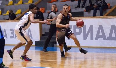 Академик Пловдив отстъпи на Ираклис при дебюта си в Европа