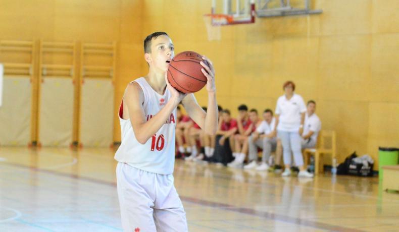 Момчетата до 14 години играха като равни с Турция, но отстъпиха в София