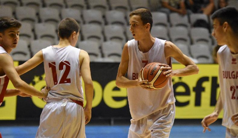 Момчетата до 14 години сразиха Румъния за първи успех в София