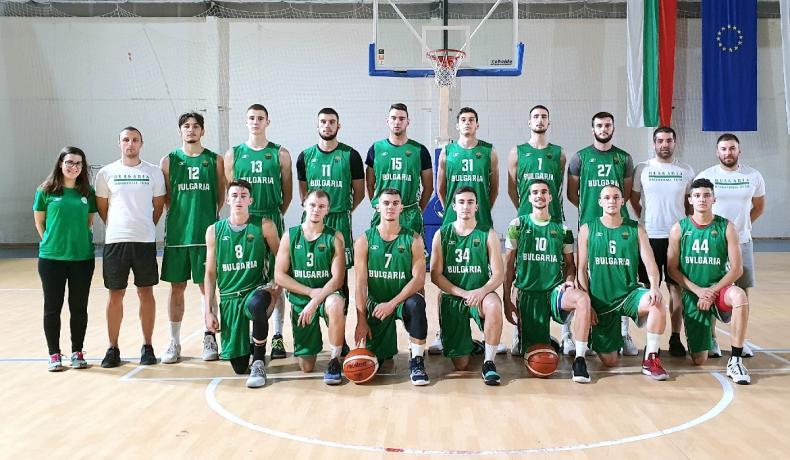 Националният отбор за младежи отлетя за Португалия
