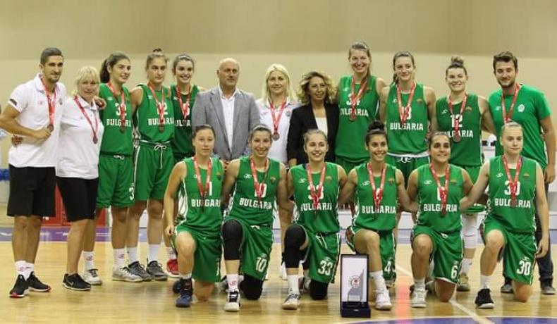Жените до 20 години победиха Латвия в Турция