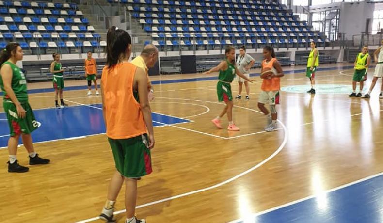Момичетата загряват за Словения Бол с два мача в Северна Македония