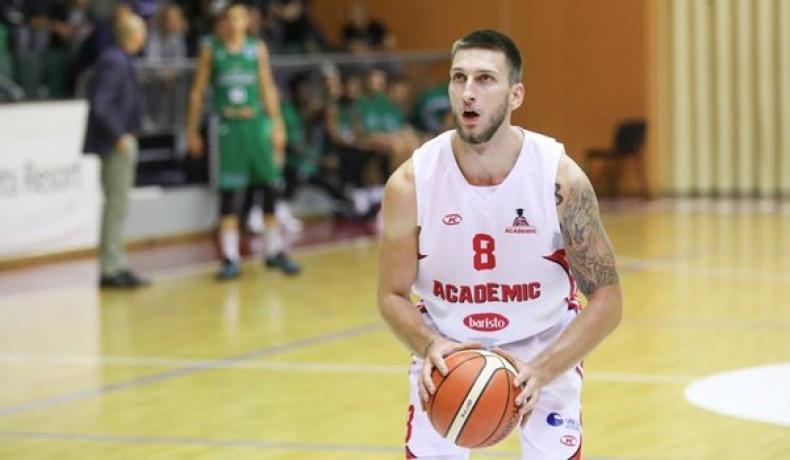 Николай Николов подсилва Академик Пловдив