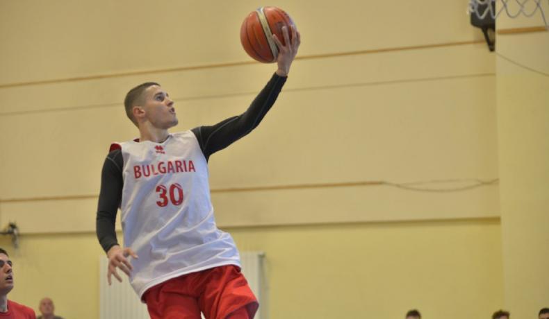 Георги Младенов събира националния отбор за мъже до 20 години в София