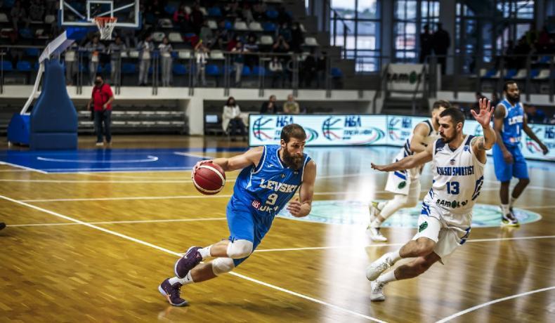Левски Лукойл спечели и втория мач, серията се мести в София