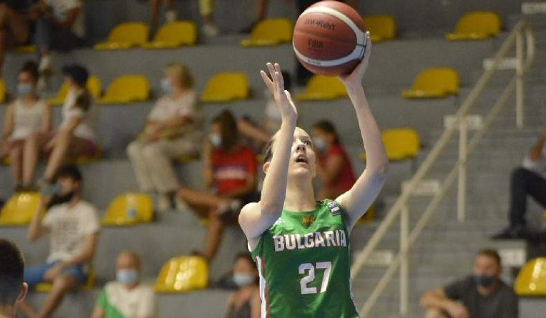 България – Франция в първия мач на момичетата до 16 г. във Финландия