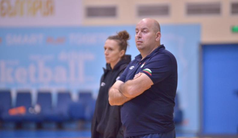 Стефан Михайлов продължава с женския национален отбор