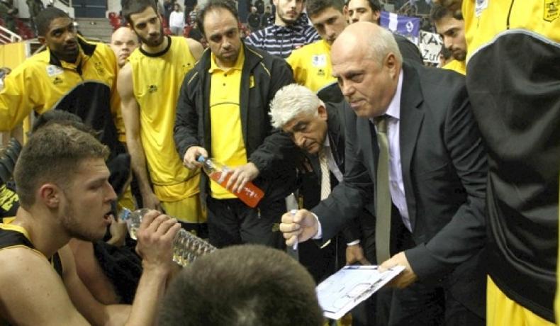 Арис на Александър Везенков изпусна купата в Гърция
