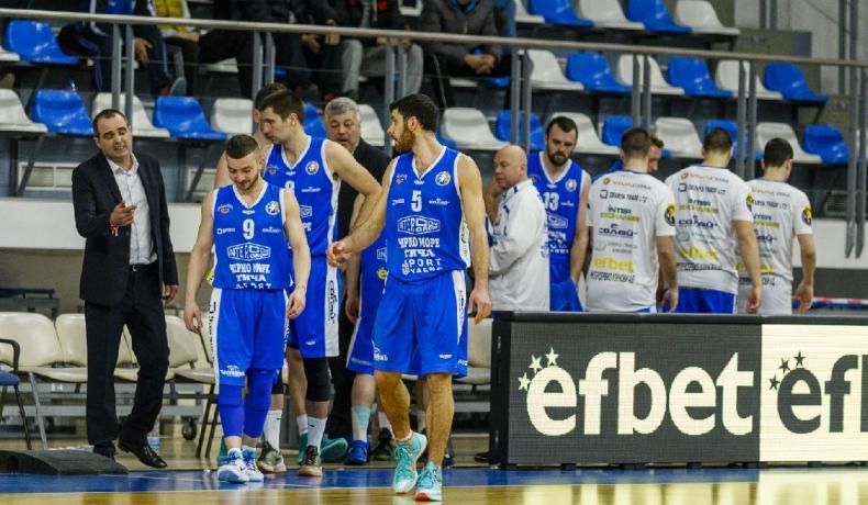Черно море Тича взе четвъртфиналната серия срещу Академик Бултекс 99