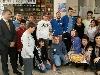 "Старши треньорът и двама играчи на Академик Бултекс 99 присъстваха на откриването на книжарница ""Надежда"""